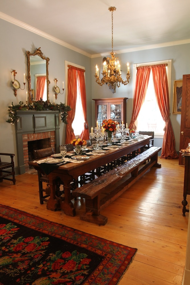 Stacy Lyn's dining room at Christmas