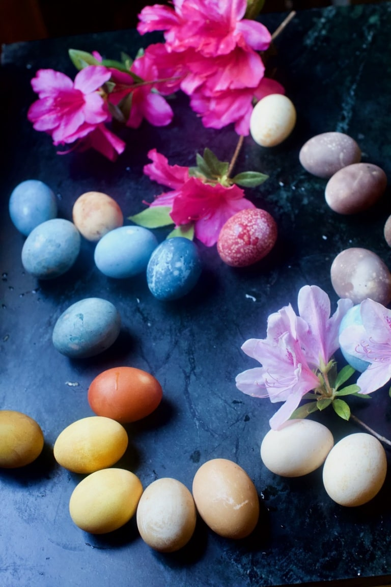 How to Dye Easter Eggs the Natural Way
