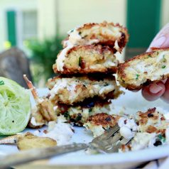 Crab cakes made from easy recipe with panko crumbs and zesty sauce