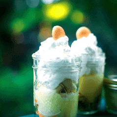 Stacy Lyn's banana pudding in mason jars